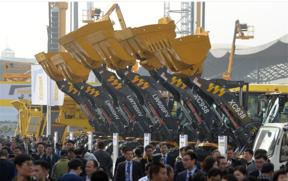 China's heavy equipment sales maintain double-digit growth