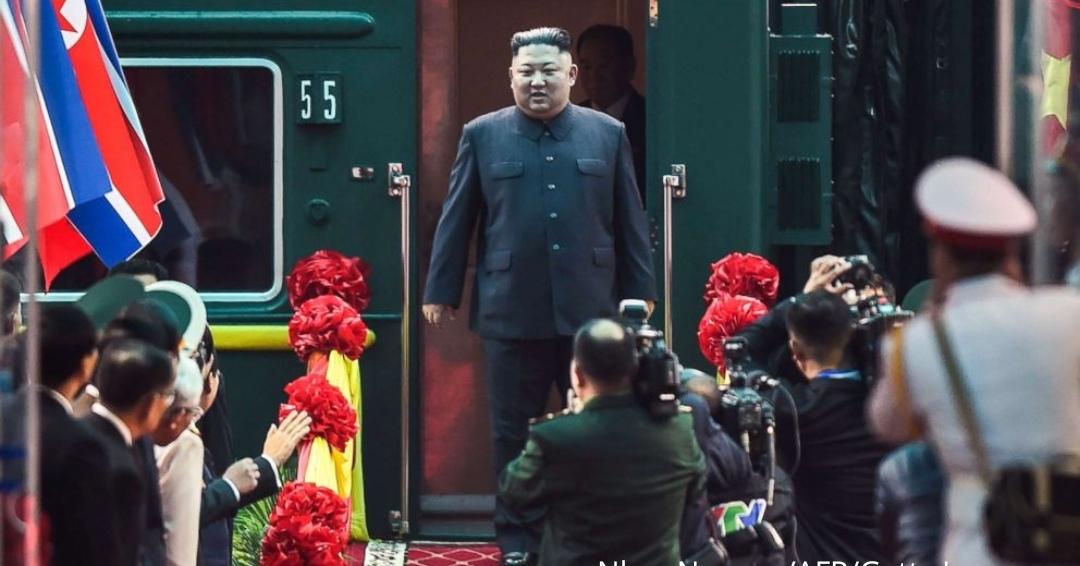 On his way to Vietnam, Kim Jong Un took an early smoke break