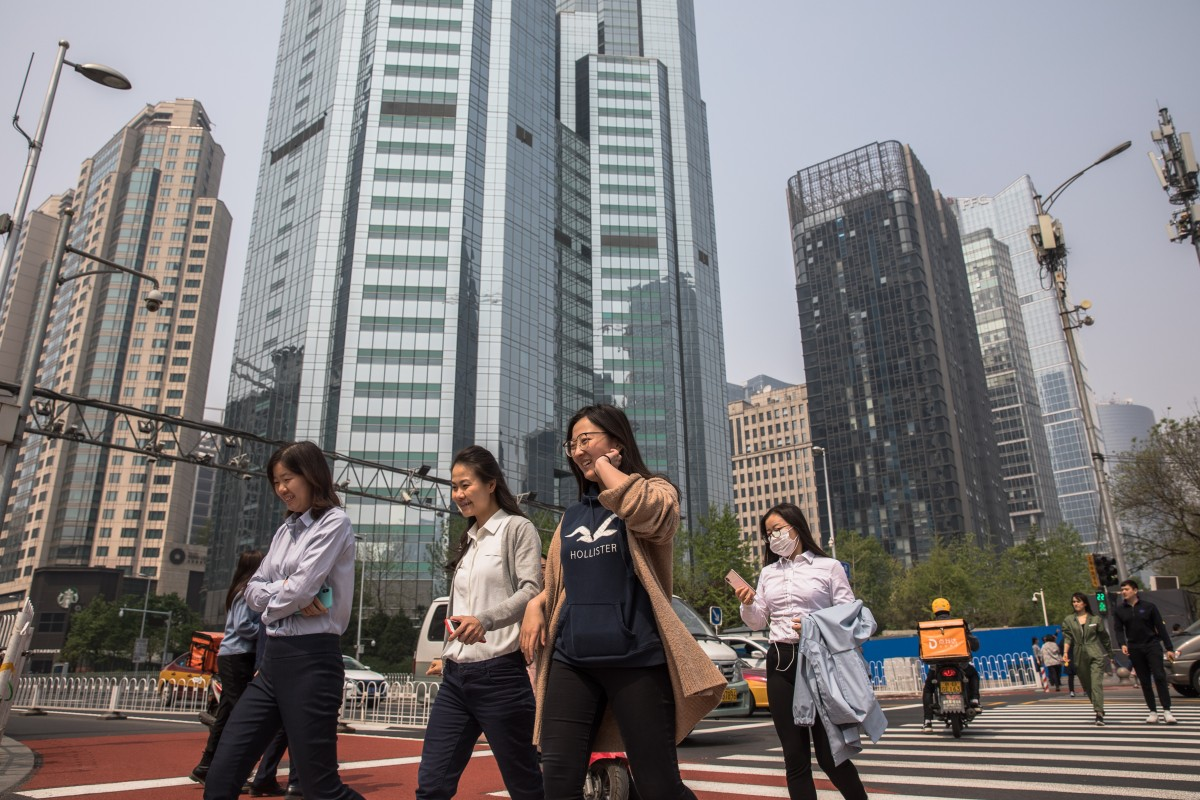 China's white-collar workers earned less in first quarter of 2019 despite signs of economic recovery, survey finds