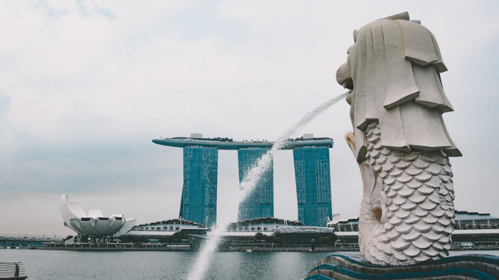 Travel writers share the biggest mistakes tourists make in their cities